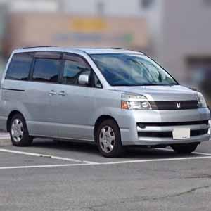 トヨタ ヴォクシー 平成16年式